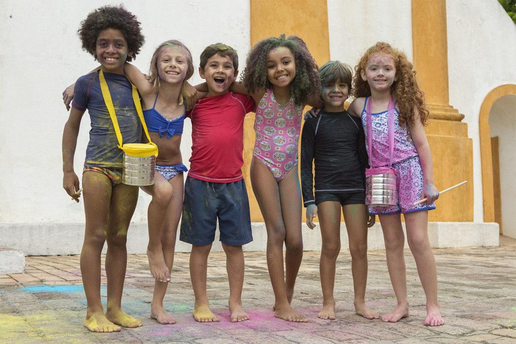 melhores-amigos-crianças-coleções-tinta-brincadeiras